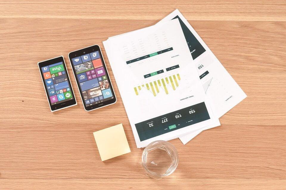 בניית אפליקציה מקורית מול אפליקציה היברידית