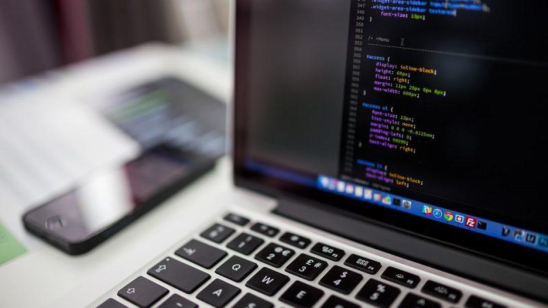 איך לבחור מפתחי תוכנה לפרויקט שלך?